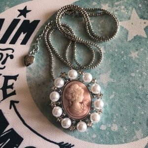 NEW Betsey Johnson Cameo Pearl CZ Pendant Necklace